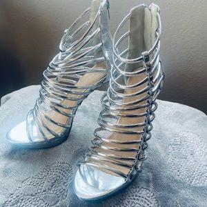 """Liliana Silver Space Age Hoop 5"""" Heels - Size 7.5"""